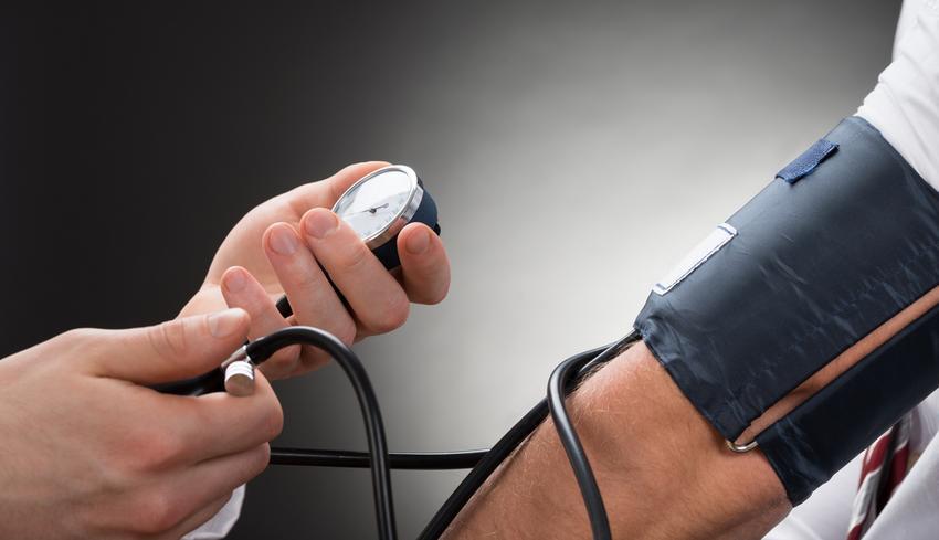a magas vérnyomás szindróma hogyan kezelhető a 2 fokozatú magas vérnyomás népi gyógymódokkal