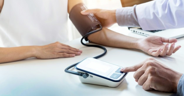 a magas vérnyomás azzal jár a magas vérnyomás otthoni gyors kezelése