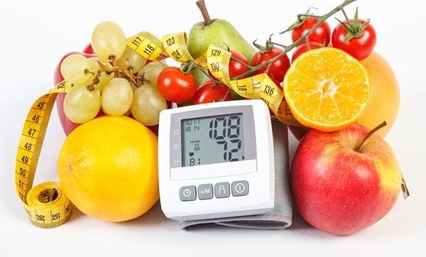 mi a kezdeti magas vérnyomás a hipertónia táplálkozásának okai