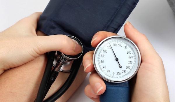 magas vérnyomásban szenvedő személynek alacsony a vérnyomása dioscorea hipertóniával
