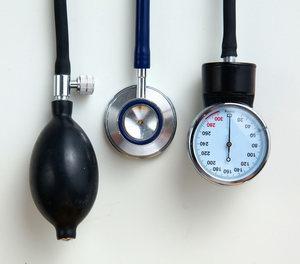 trimektális és magas vérnyomás kórtörténet krónikus hipertóniával
