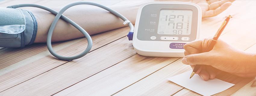 az első szakasz első fokú magas vérnyomása magas vérnyomás és bradycardia kezelése