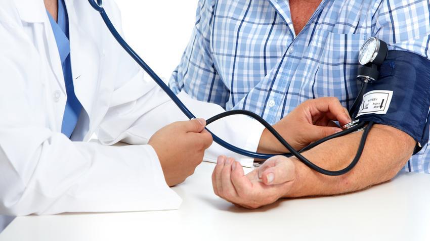magas vérnyomás, ami stádiumot jelent ha a magas vérnyomással járó szívbélgyulladás