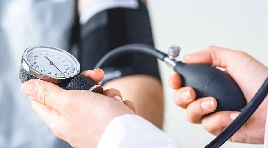 miért alakul a hipertónia hipotenzióvá magas vérnyomás okozta zaj a fejben