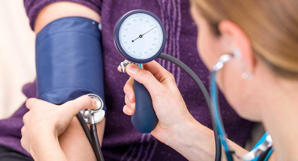 magas vérnyomás betegségről szóló jelentés a gallér zóna magas vérnyomású masszázsához
