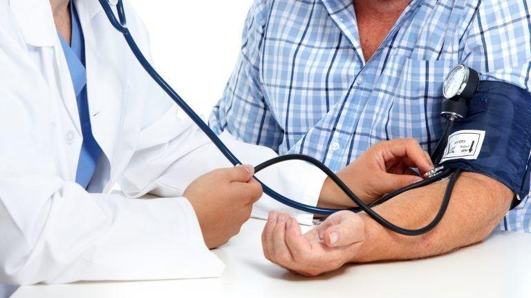 magas vérnyomás, hogyan lehet megmenteni egy személyt a magas vérnyomás jellemzői fiatalon